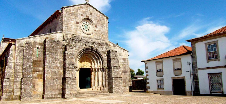 Igreja_Romanica_de_Rates_geral